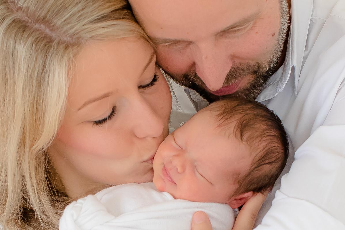 Einblick in das Neugeborenen-Fotoshooting von Charlotte in Achim